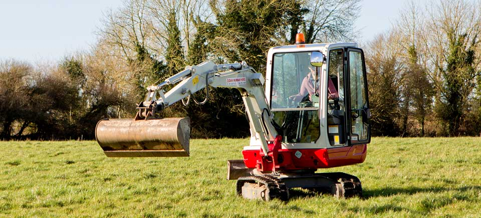 ammex-mini-digger-hire